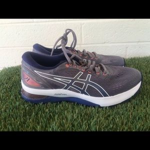 Women's Asics Nimbus 21 Running shoes sz 8